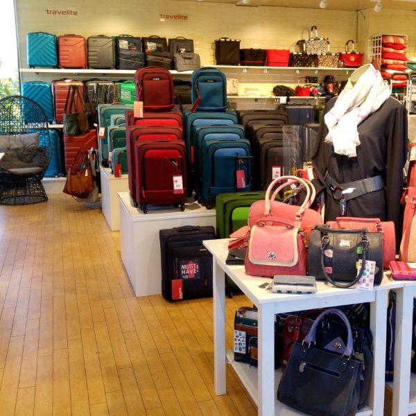 Koffer und Taschen im Obergeschoss
